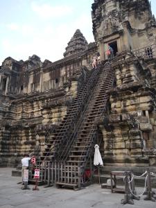 Sign removal- Angkor Wat